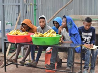 bananas-at-table-with-boys-at-bsf-event.jpg