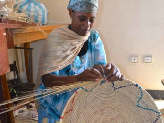 weaving--a-basket-by-hand.jpg