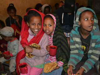 happy-children-in-berta-breakfast-program.jpg